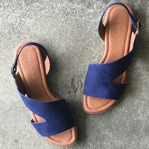 City Class Pillar Navy Mini Wedge Comfort Sandal